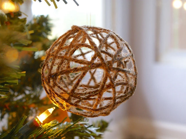 20-creative-diy-christmas-ornament-ideas-21